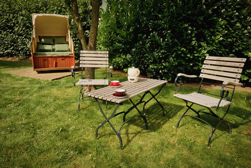 Föhrperle-Ferienhaus-Flamant-Foehr-exklusives-Luxus-preisgekrönt-und-DTV-zertifiziert-5-Sterne-Reetdachtraum-perfekter-garten-6-7-8-5-4-Personen-von-privat