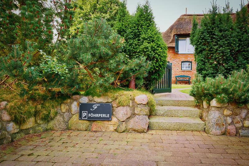 Föhrperle-Ferienhaus-Foehr-Luxus-Reetdach-Föhrperle-willkommen-ferienhaus