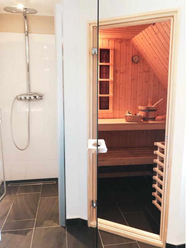 Master Badezimmer OG mit Wellness-Sauna